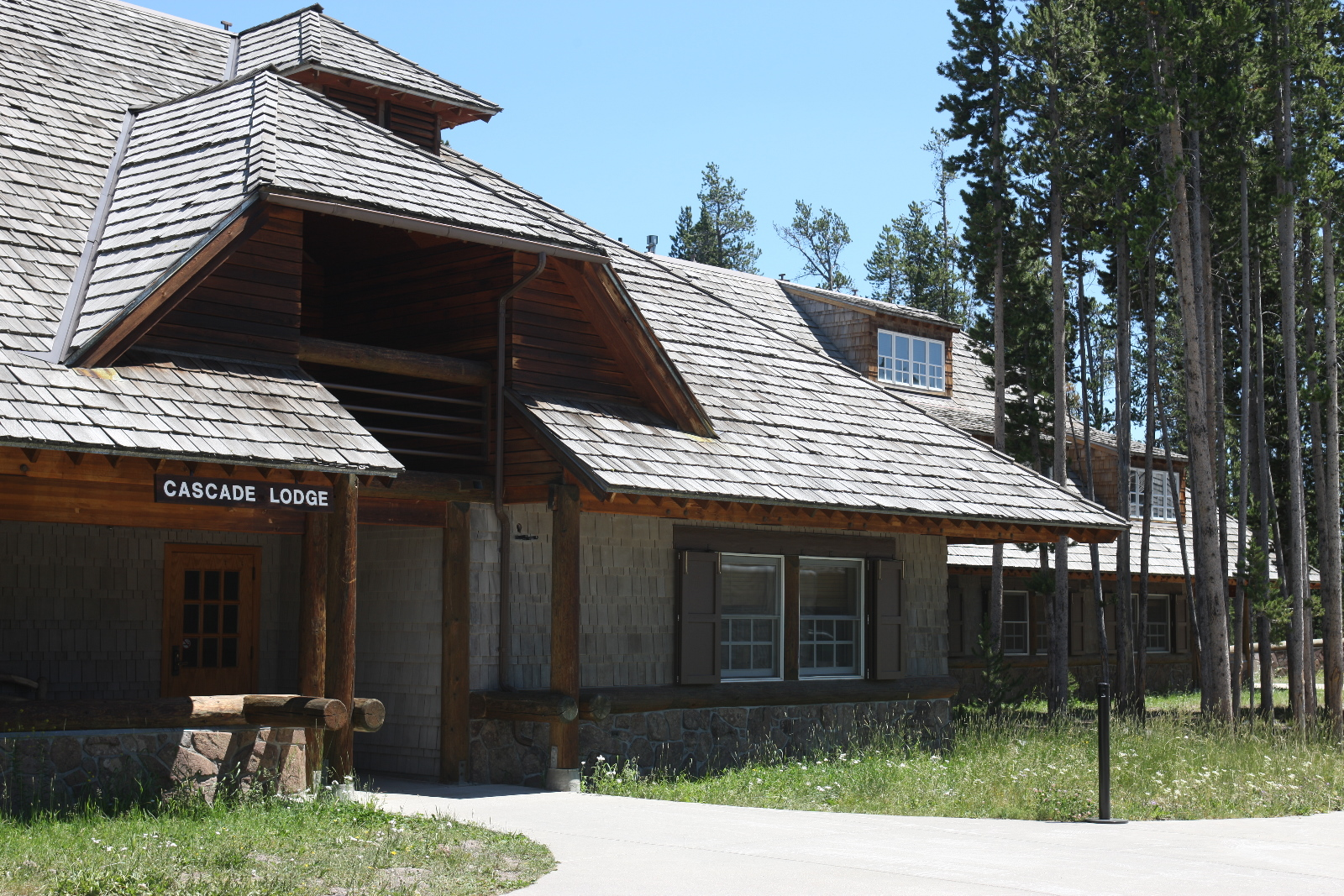 rough lodge grand rentals canyon vacation cabins pa cut pine cabin in